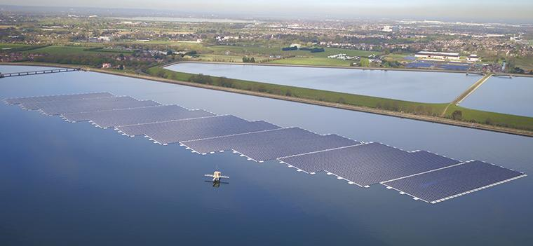 QEII Floating Solar Panels, England