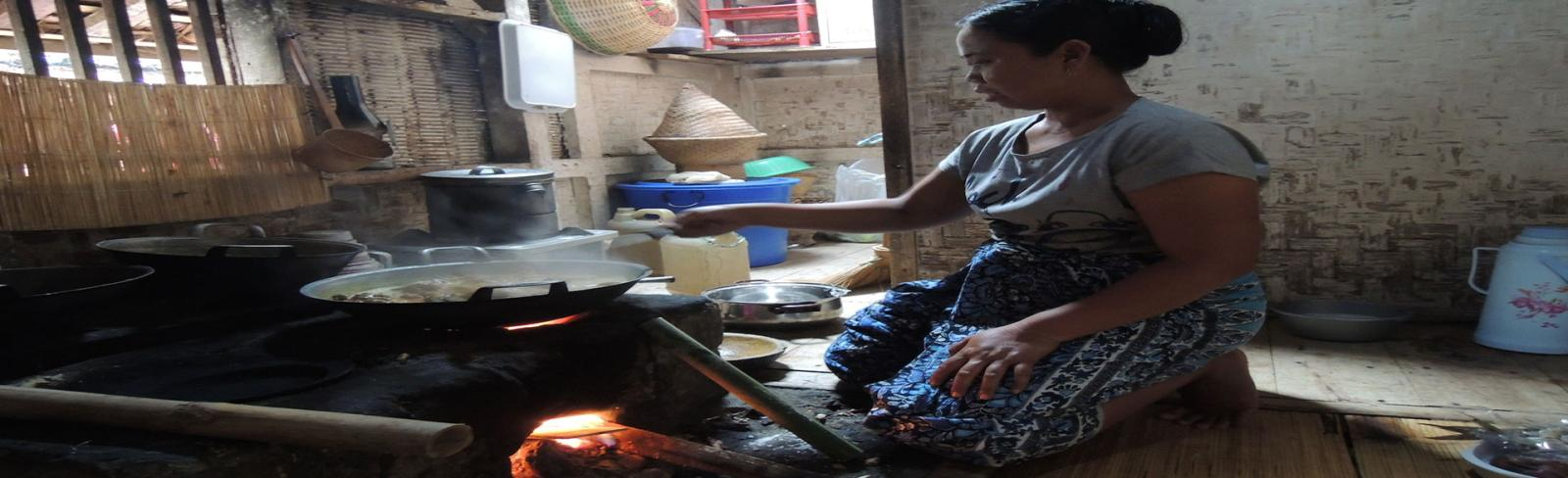 Indonesia Clean Cooking: ESMAP Supports Innovative Approaches to Build the Local Cookstoves Market, Helps Increase Access